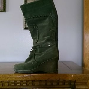 GUC green suede boots